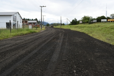 Ruas do Distrito Industrial são revestidas com asfalto fresado