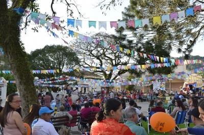 Em clima Julino, Faxinal realizou mais um Tô na Praça