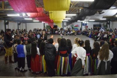 Noite de integração celebrou a diversidade cultural faxinalense