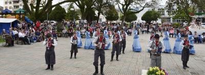 Em clima de Semana Farroupilha, Faxinal realizou mais um Tô na Praça
