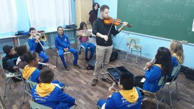 Orquestra Jovem Recanto Maestro no Espaço Ciranda