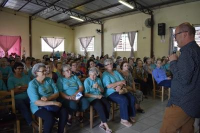 Secretaria de Assistência Social promoveu Dia Mágico e Filó do Idoso
