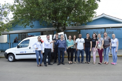 Saúde recebe ambulância nova