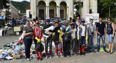 Escolas realizaram Mostra no Tô na Praça