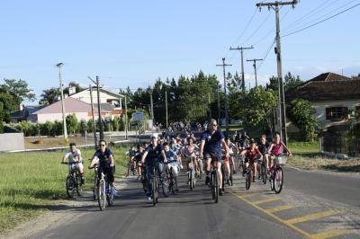 Diversos ciclistas participaram de Passeio Pela Paz no Trânsito em Faxinal