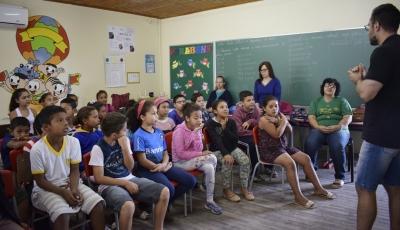 Conversa na Escola Santa Rita abordou a educação fiscal